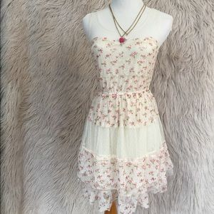 Roses and lace summer dress by Ultra Pink